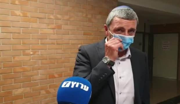İsrail'de kabinede Kovid-19 alarmı: 4 bakan karantinaya aldındı