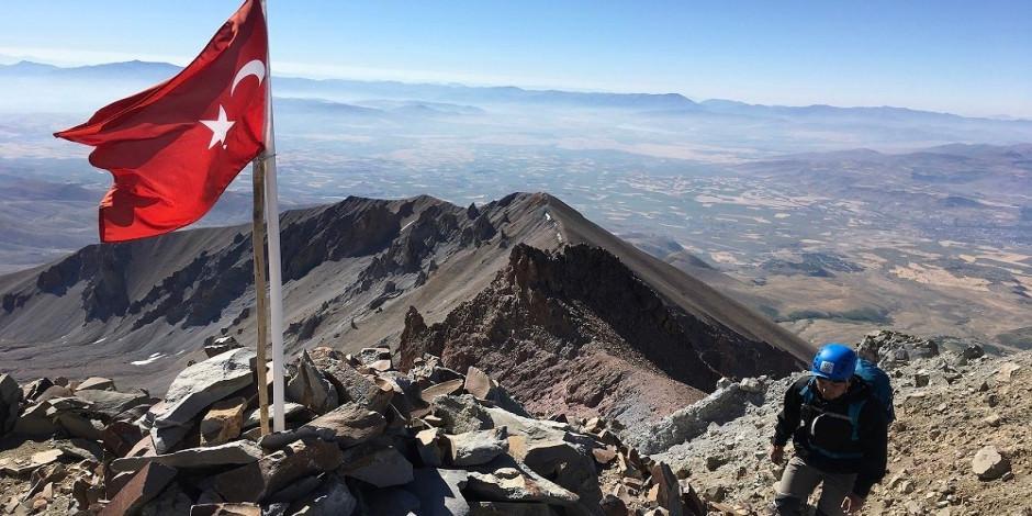 Türkiye'de ilk kez Erciyes'te zirve tırmanışları başladı