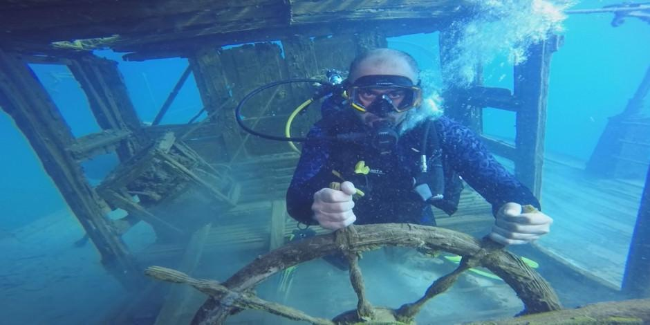 Van Gölü'nde tarihi gemide batık turizmi