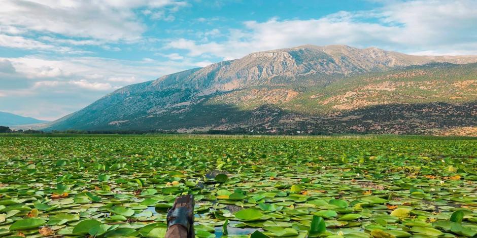 Işıklı (Çivril) Gölü nilüferleriyle ünlü kamp alanı ile vazgeçilmez