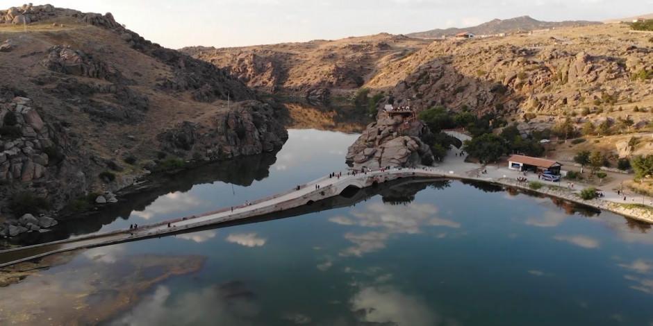 Selçuklu yadigarı Çeşnigir Köprüsü ve Kanyonu