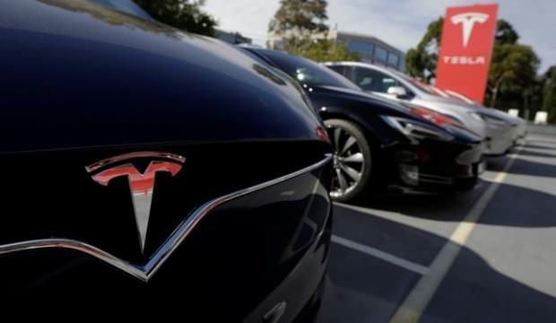 Tesla'dan rekor kayıp!