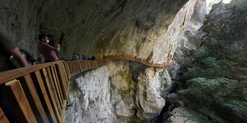 Adrenalin tutkunları Horma Kanyonu'na akın etti