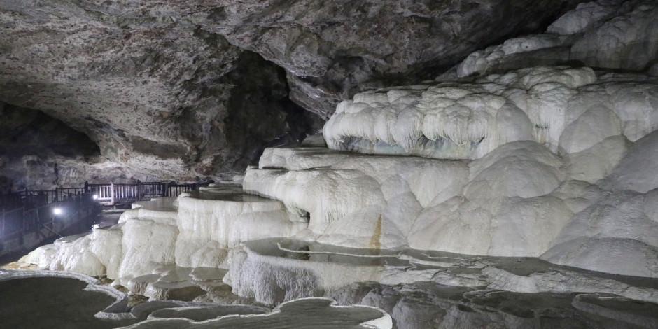 'Yer altındaki gizli Pamukkale' Kaklık Mağarası