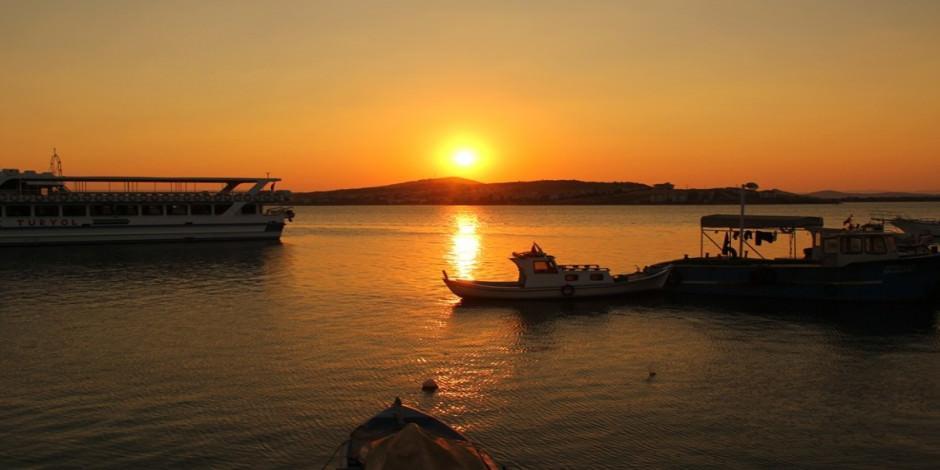 Çamlık Koyu'nda pırıl pırıl denizi ile Paşa Limanı