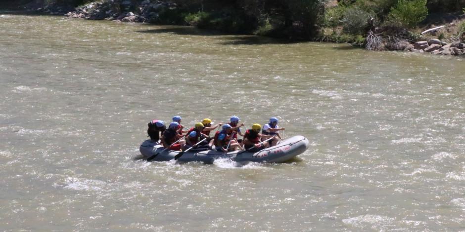 Yerli ve yabancı rafting tutkunlarının yeni adresi: Karasu Nehri