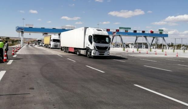 Ankara-Niğde Otoyolu'ndan ilk gün 10 bine yakın araç geçti