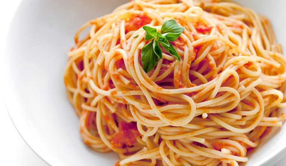 En kolay spagetti makarna nasıl yapılır? Domates soslu spagetti tarifinin püf noktaları