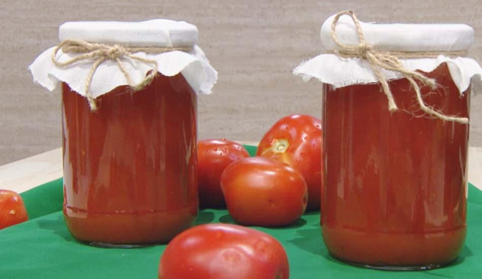 Evde kışlık domates sos nasıl yapılır? Domates sos konservesi yapmanın en kolay yolu