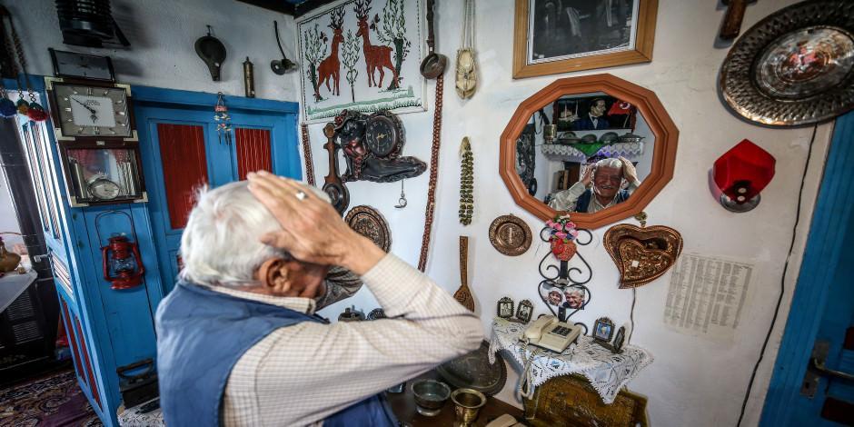Geçmişini görmek isteyenler için evini müzeye çevirdi