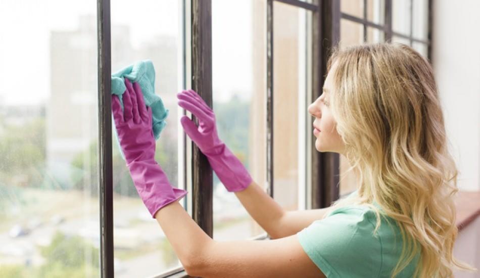 Pencereden boya lekesi nasıl çıkarılır? Pimapen üzerinden boya lekeleri nasıl temizlenir?