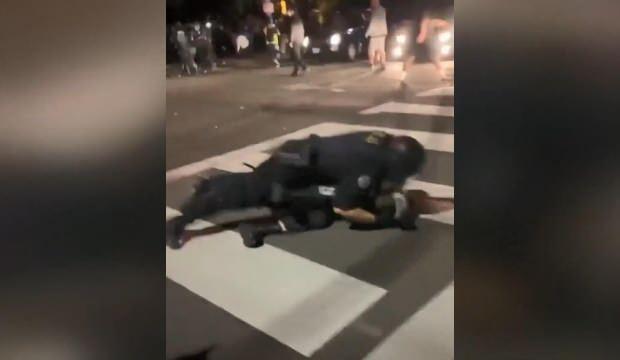 ABD'nin Portland kentindeki protestolarda polis şiddeti