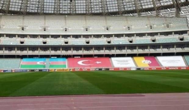 Galatasaray'a Azerbaycan'da sürpriz pankart!