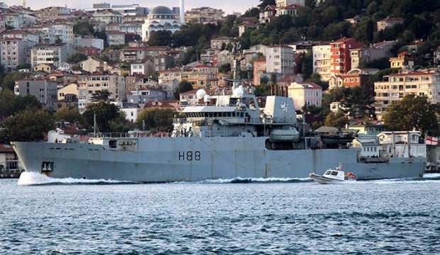İngiliz araştırma gemisi İstanbul Boğazı'ndan geçti