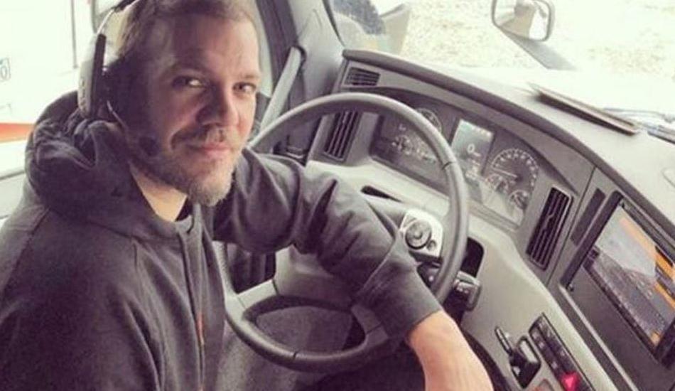 Amerika'da TIR şoförlüğü yapan Tolga Karel yeni evini fotoğraflarını paylaştı!