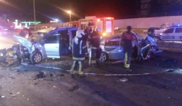 Denizli'de otomobil ile ticari araç çarpıştı: 10 yaralı