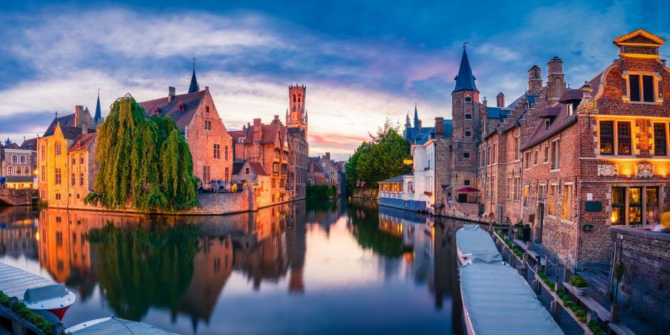 Çikolata kokan tarihi şehir Brugge'de bir gün