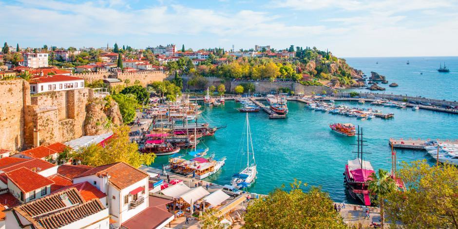 Antalya dünyada cazibesini artıran turizm destinasyonu