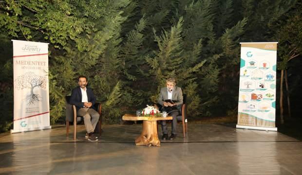 Yazar İbrahim Tenekeci, 'Kendine yolculuk' konulu söyleşide konuştu