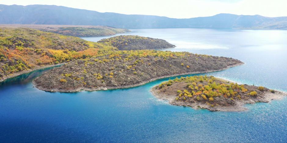 'Yeryüzü cenneti' Nemrut sonbahar renklerine büründü