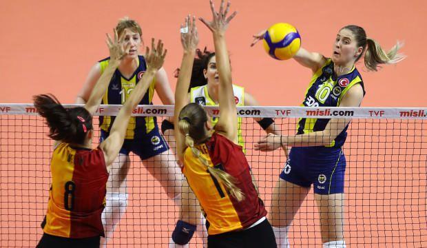 Derbi maçında kazanan Fenerbahçe Opet oldu
