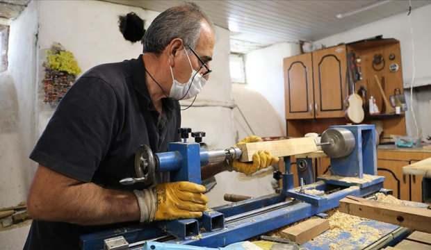 Emekli torna tesviye ustası 9 enstrüman üretiyor