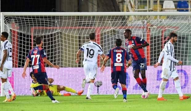 Juventus, Crotone ile berabere kaldı