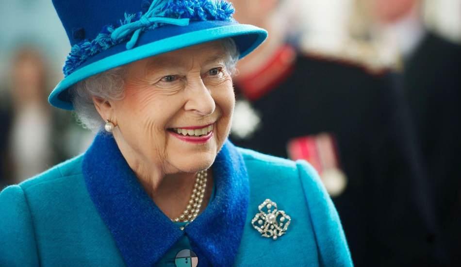 Kraliçe II. Elizabeth maskesiz dışarıya çıktı! 7 ayın sonunda...