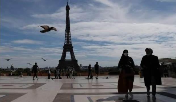 Paris'te yoğun bakım ünitelerinin yüzde 46'sı Kovid-19 hastalarıyla dolu