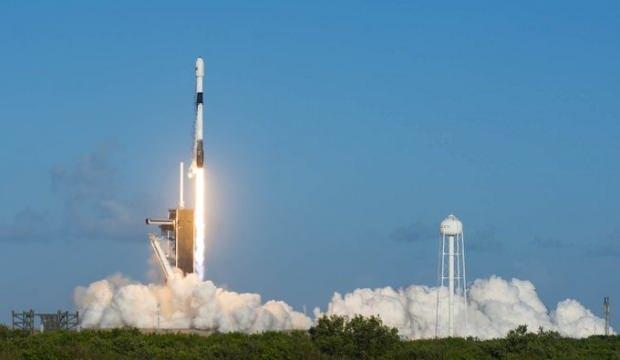SpaceX 60 internet uydusunu daha uzaya fırlattı