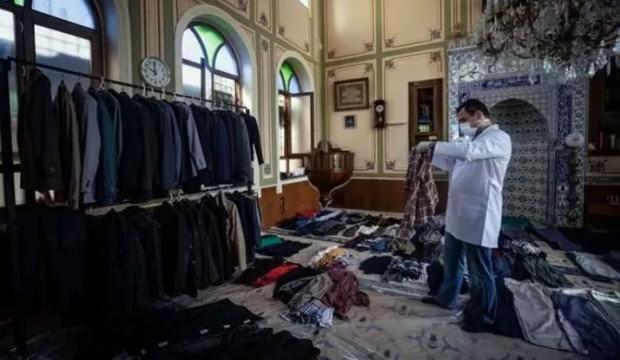 Taksim'de Selime Hatun Camii'nin imamı caminin kapılarını kimsesizlere açtı