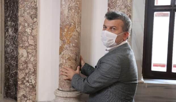 638 yıllık tarihi caminin dönen denge sütunları hayrete düşürüyor