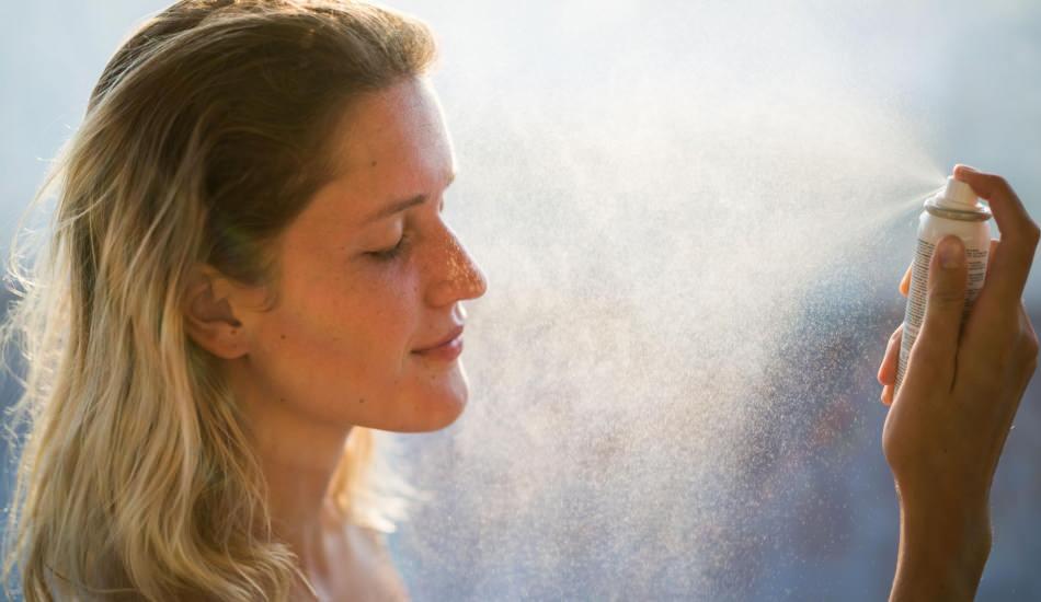 Makyaj spreyi nedir ve ne işe yarar? Makyaj spreyini kullanmanın yolları
