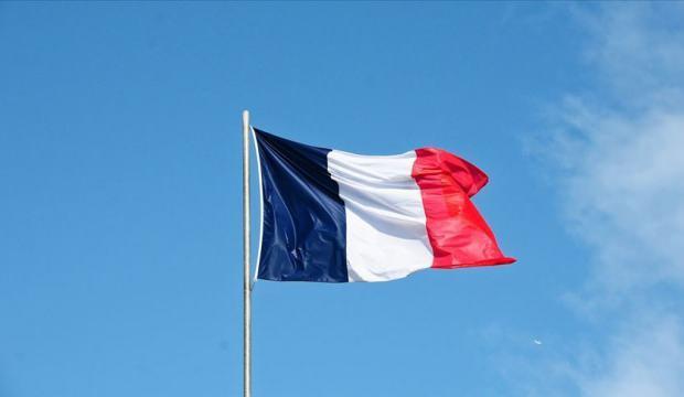 Paris'te başörtülü 2 kadına yönelik saldırıyla ilgili 2 kişi gözaltına alındı