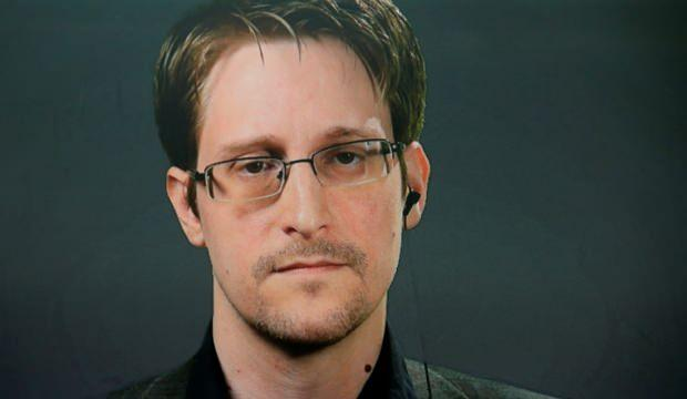 Rusya, Edward Snowden'e daimi ikamet izni verdi