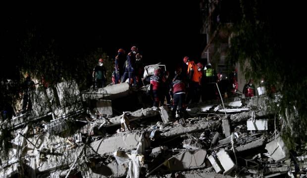 İzmir'de arama kurtarma çalışmalarında 33. saate girildi! Ekiplerin zamana karşı yarışı...