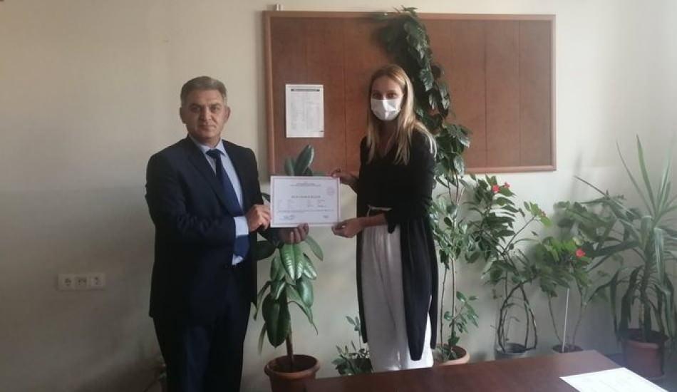 Jessica May Halk Eğitim Merkezi'nden okuryazarlık belgesi aldı