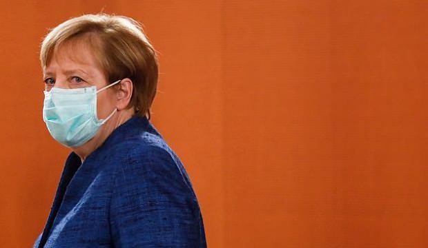 Merkel'den koronavirüs uyarısı: Bizi çok zor aylar bekliyor