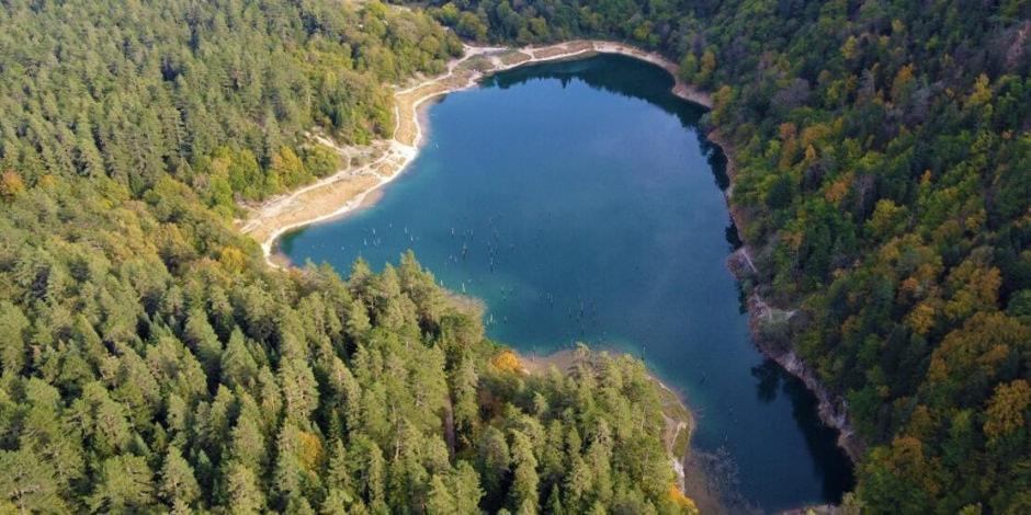 300 yıllık Sülüklü Göl görenleri kendine hayran bırakıyor