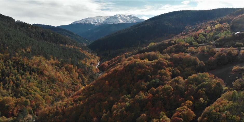 Anadolu'nun yüce dağında iki mevsim bir arada yaşanıyor