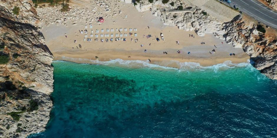 Kaputaş Plajı sonbaharda da tatilcilerin adresi
