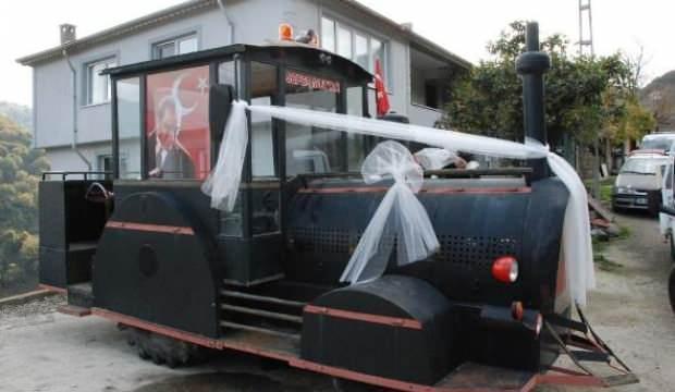 Lokomotif görünümlü traktör, gelin arabası oldu