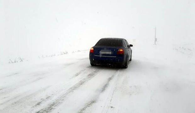 Ardahan'da kar ve sis ulaşımı aksatıyor