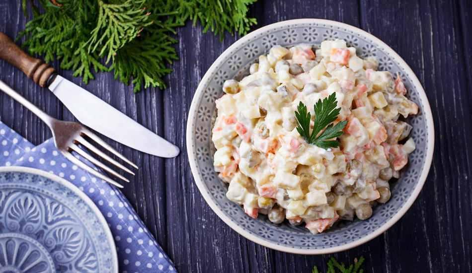 En kolay Amerikan salatası nasıl yapılır? Evde pratik Amerikan salatası tarifi