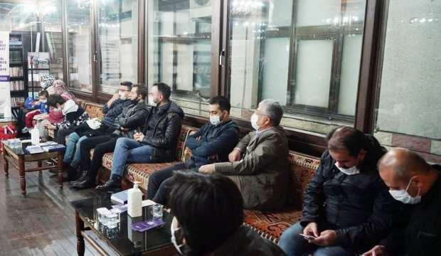 Kahramanmaraş'ta Kıraathane'de Şiir Okuma Etkinliğine Katılım Yoğun Oldu