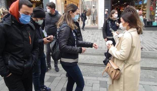 Maske takmayan turistlerden şoke eden hareket!