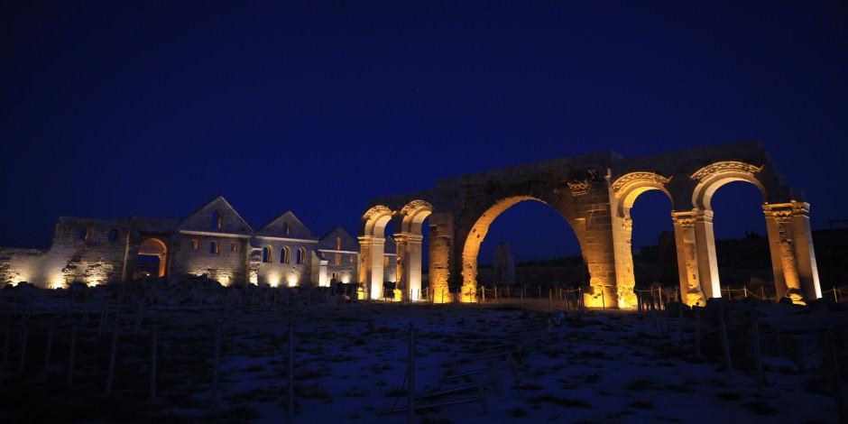UNESCO adayı 7 asırlık ören yerine görkemli ışıklandırma