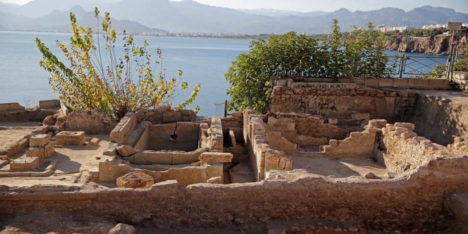 Arkeolojik kazıda tarihi buz fabrikası kalıntıları ortaya çıkarıldı