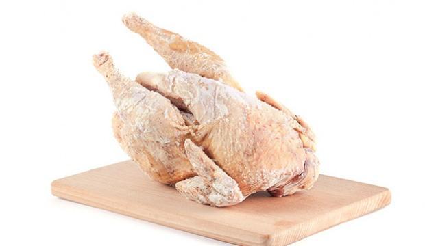 Dondurulmuş tavuklarda koronavirüse rastlandı!