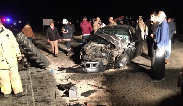 Feci kaza! Otomobil ile traktör çarpıştı: 2'si ağır 5 yaralı